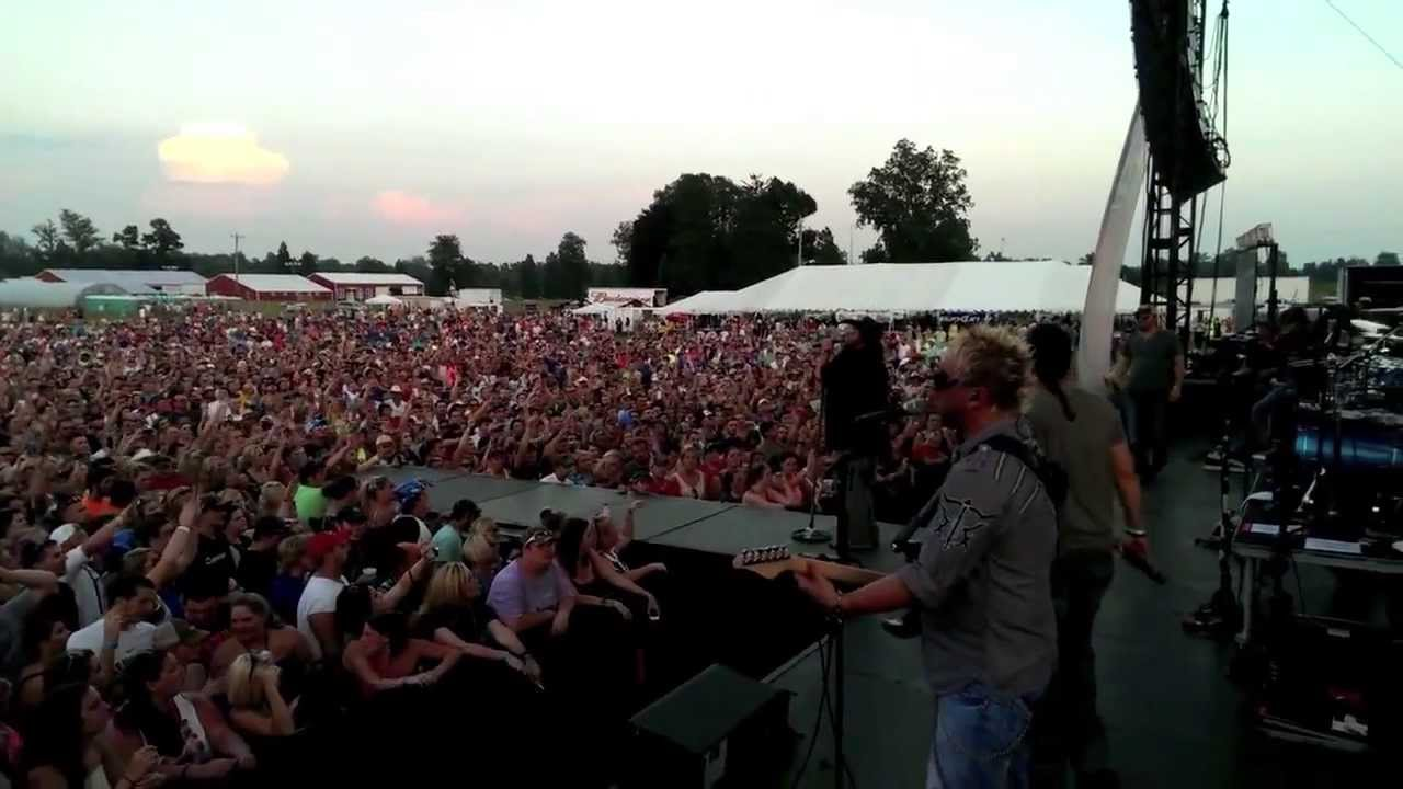 brasher bogue does dirt road anthem with colt ford at big o music. Cars Review. Best American Auto & Cars Review
