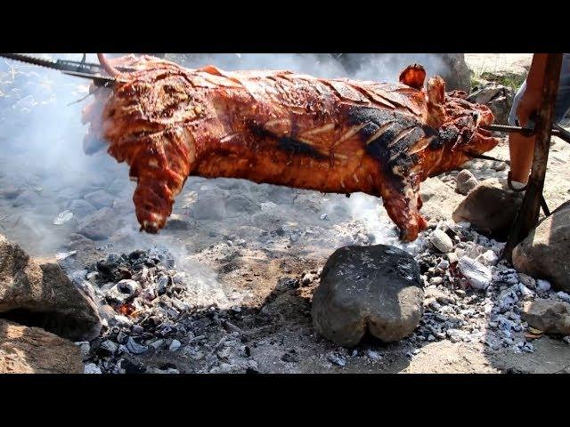 这样烤整猪,30人吃了200斤这么大的猪,有没有想加入的冲动?【滇西小哥】