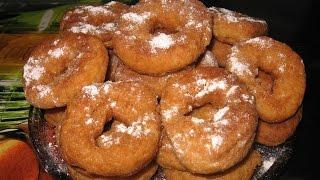 Творожные пончики.     Сирні пампушки.