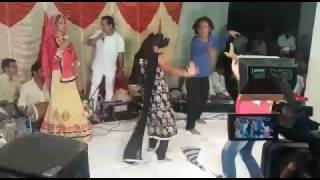 Download Hindi Video Songs - singer- pinky gehlot ajmer,bhajan- baras baras mara inder raja live
