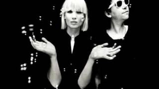 Watch Raveonettes Breaking Into Cars video