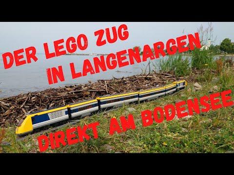 Der Lego Zug in Langenargen am Bodensee auf dem Weg zum Weltrekord