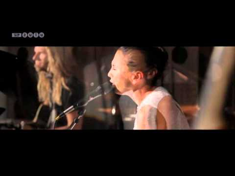 Medina ('Kun for Mig' + 'Vi To') - unplugged