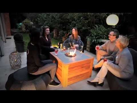 Table basse de jardin avec feu central youtube - Table basse avec led ...