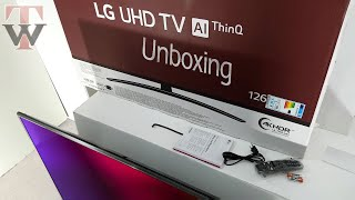 Unboxing the LG UM7600