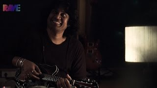Mandolin U. Rajesh plays Raghu Pati Raghava Raja Ram