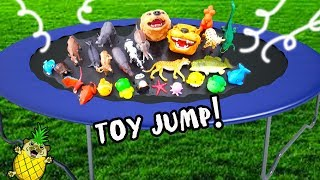 Animal Toys Jump in TRAMPOLINE! Learn ZOO Animals with Puggy Pineapple