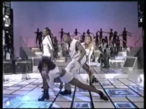 Ibrahim Barry via/Haddaway - What is love (live in Brazil 1994 @  Faustão) webm