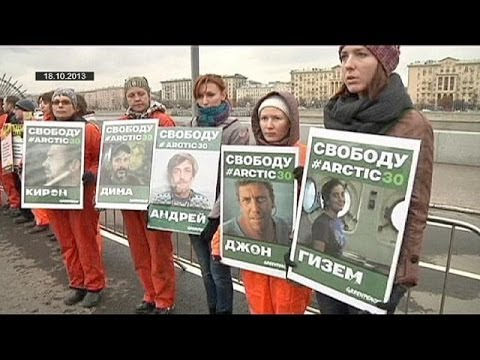 Russia changes Arctic 30 charges from 'piracy' to 'hooliganism'