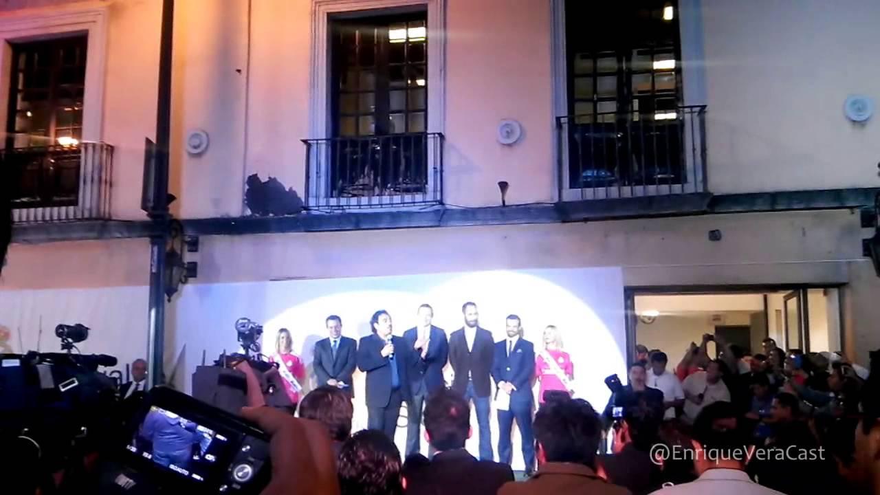 83359ff542624 Hugo Sánchez inaugura en México la primer tienda oficial del Real Madrid en  el continente americano