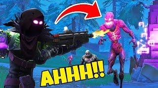 """IM BACK! & ZOmBiES are trying to EAT ME!!! """" FORTNITE MOBILE!!!"""