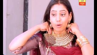 Watch Neethi Taylor try out various jewellery sets