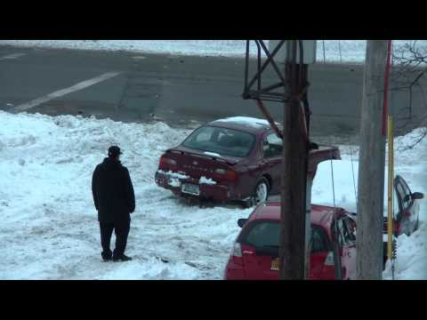 Blizzard 2010 Bronx NY - Cars Stuck In The Snow