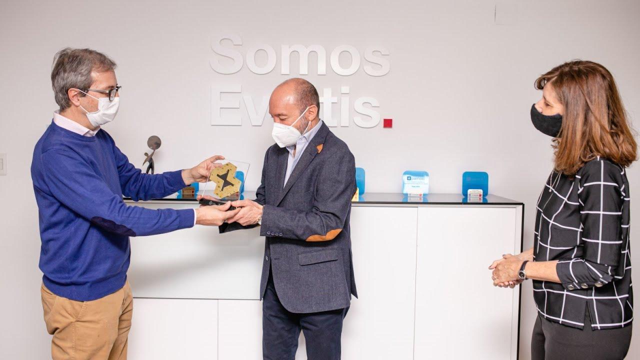 Siguiendo la entrega de los Premios Suma