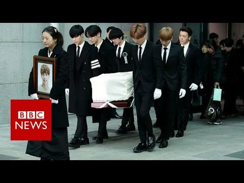 A tearful farewell to K-pop star Jonghyun - BBC News
