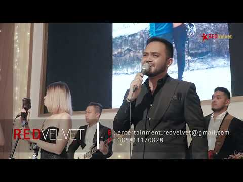 BRIAN MC KNIGHT - BACK AT ONE ( COVER BY RED VELVET ENTERTAINMENT ) LIVE AT SHANGRILA HOTEL
