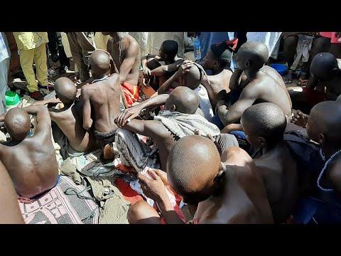 إنقاذ مئات الطلاب بعد تعرضهم للتعذيب والاعتداء الجنسي بمدرسة إسلامية في نيجيريا …  - 09:53-2019 / 10 / 15