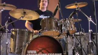 Double Bass Fills - Drum Lessons(FREE Series: The Top 3 Bass Drum Techniques - http://bit.ly/bassdrum . 'Like' us on Facebook here: http://Facebook.com/drumlessonscom 'Follow' us on Twitter ..., 2007-08-12T03:19:17.000Z)