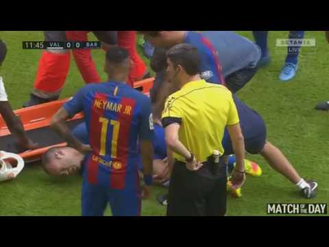 Andres Iniesta Horrible Knee Injury   Valencia vs Barcelona 2 3   La Liga 22 10 2016 HD thumbnail