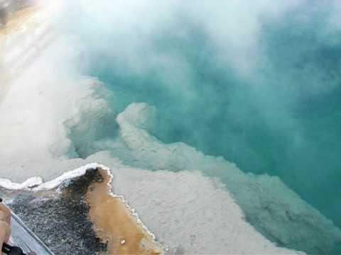 Black Pool, West Thumb Geyser Basin, Yellowstone