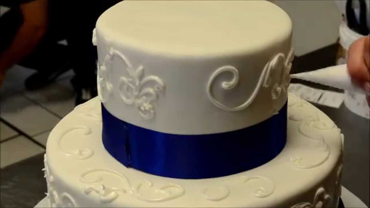 How To Decorated A Simple Wedding Cake Youtube