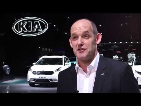 2016 Paris Motor Show - Interview Michael Cole, Kia Motors Europe COO | AutoMotoTV