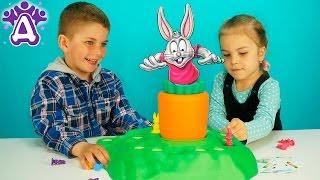 Для детей Игра фанни банни Выдерни Морковку видео для детей Games for kids Funny Bunny. Игрушки(Друзяки играют в настольную игру для детей Выдерни Морковку или фанни банни. Сегодня мы будем по очереди..., 2016-05-20T09:21:59.000Z)