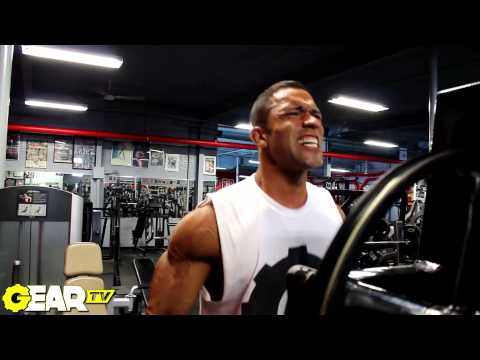 Men's Physique IFBB Pro David Pacheco Wins The Omaha Pro / Delt Training!