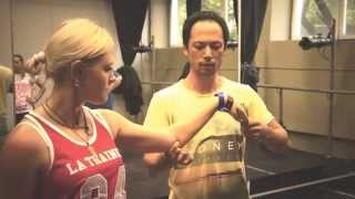 Волна рукой обучение: как научиться делать волны руками быстро. Уроки танца для начинающих(, 2014-08-22T08:44:51.000Z)