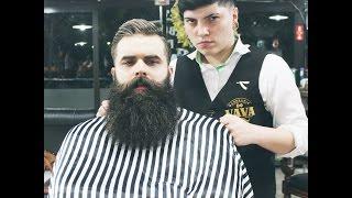 Cabelo e barba com a  Pepper Barber ( 1º lugar em Barba na batalha de barbeiras)