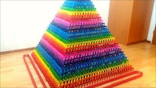 THE WORLD&#39S LARGEST DOMINO PYRAMID 20,336 Dominoes