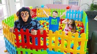 Ali'nin Yeni Top Havuzu - Colour Ball Pool and Monkey - Funny Kids