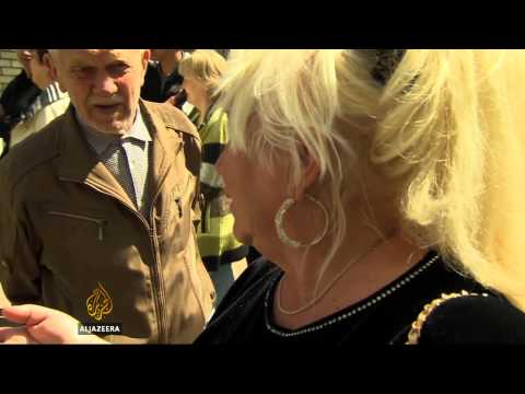 Ukraine eastern regions hold 'self-rule' vote