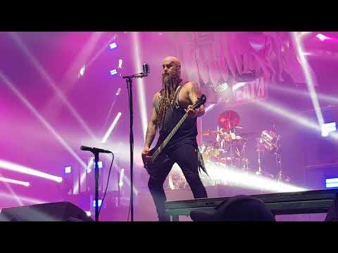 Five finger death punch - Under and over it (live@Luxemburg 2017)