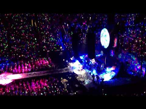 Charlie Brown & Paradise - Coldplay @ Montreal Bell Centre 27.07.2012 (1080p)