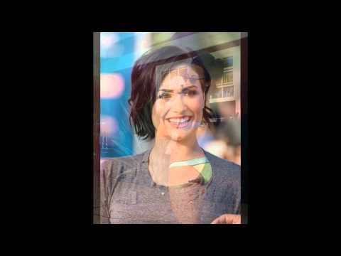 Demi Lovato Hot Pics
