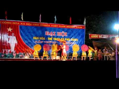Hát múa phiên chợ ngày xuân - Vũ Duy cùng tốp múa Xóm 1 - Phú Xuyên - ĐT - TN