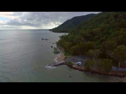 DJI Phantom 3 at Second BeachTrinity Inlet Cairns