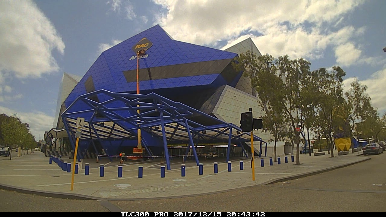 RAC Arena Time Lapse of Wellington St Sign Installation