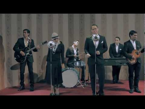MALIQ & D'ESSENTIALS - MENARI (2011) Official Music Video