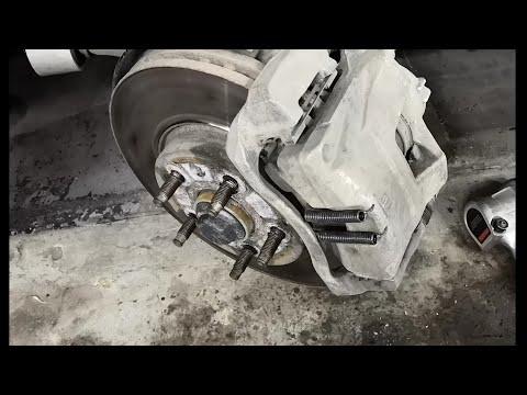 Устроняем стук суппортов Opel Astra J за копейки