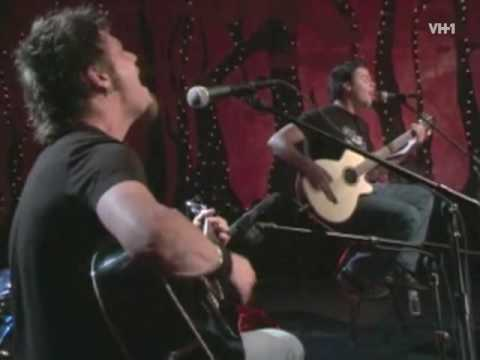 Unplugged: Crossfade, So Far Away