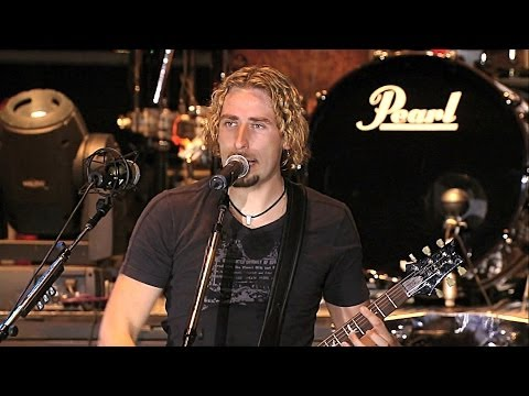 Download Youtube: Nickelback - How You Remind Me Live Home 2006 Live Video HD