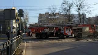 В Туле на Красноармейском проспекте загорелась бывшая пиццерия
