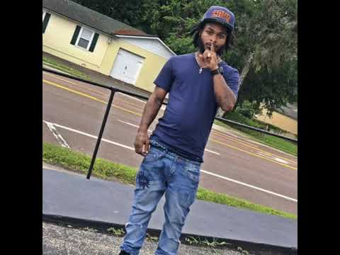 R.I.P Lil Jug they just killed my big cousin he was one of the best rappers from Jacksonville