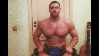Как накачать верх тела дома с гантелями сидя? Комплекс упражнений с гантелями !