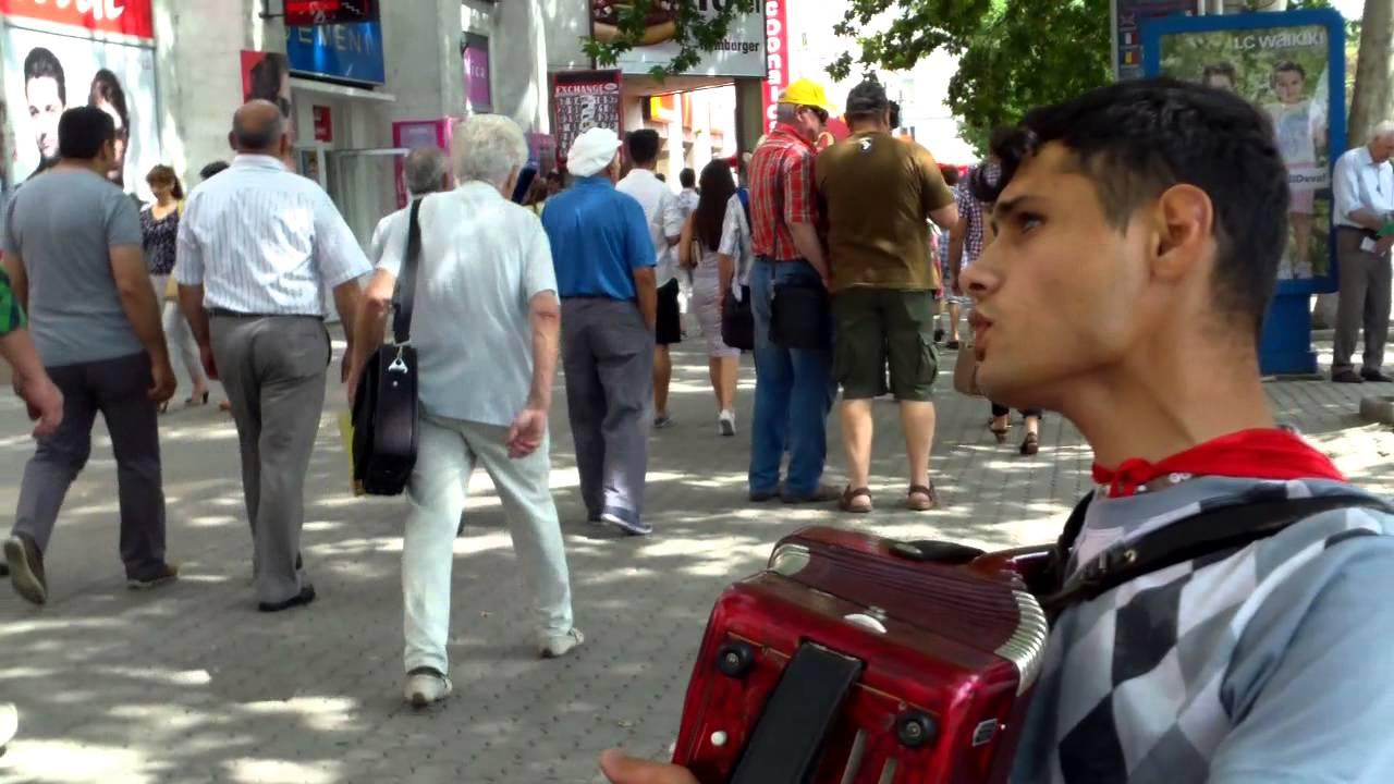 Oleg Adrian Vlad prelucrează cîntece populare cum vrea el