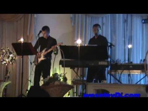 Śpiewający i grający Dj-wodzirej www.weselnyDJ.com