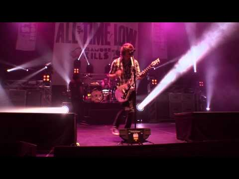 All Time Low - Break Your Little Heart (Live from Straight To DVD)