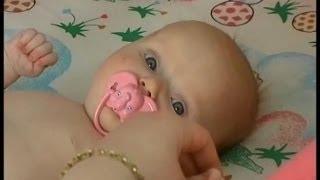 видео Начало жизни. Ваш ребёнок от рождения до года